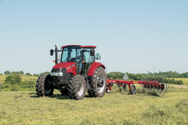 Case IH Farm | Wheel Rakes | Model WR 102 - 8 Wheel for sale at American Falls, Blackfoot, Idaho Falls, Rexburg, Rupert, Idaho