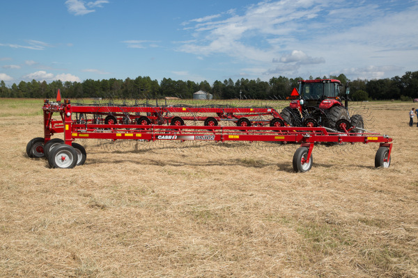 Case IH Farm | Wheel Rakes | Model WR302 - 12 Wheel for sale at American Falls, Blackfoot, Idaho Falls, Rexburg, Rupert, Idaho