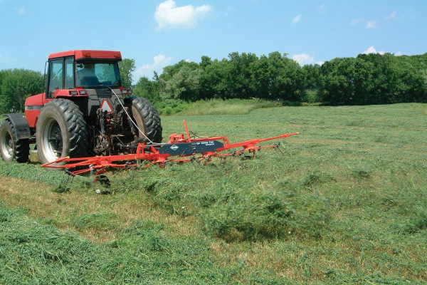Kuhn | Tedders | GF 1002 T Series for sale at American Falls, Blackfoot, Idaho Falls, Rexburg, Rupert, Idaho